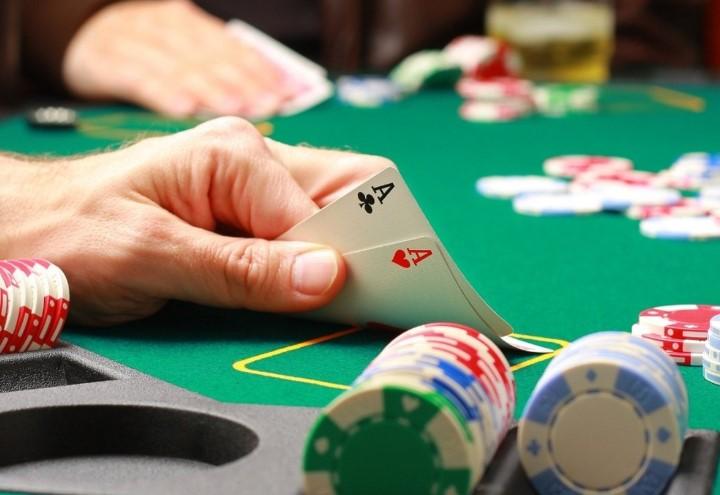 Основні покерні комбінації