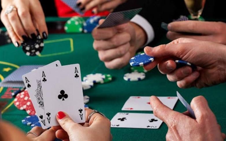Основні правила гри в покер Razz або семикартковий Стад Лоу-Покер