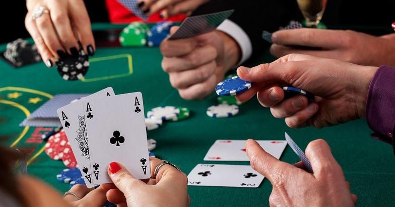 Поради і тактика покеру для початківця
