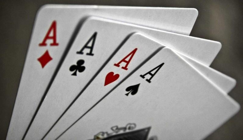 Старші покерні карти