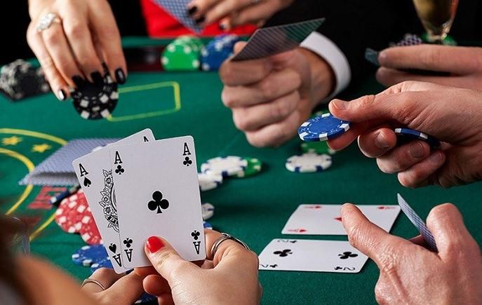 Стратегія гри в покер за тайтовими столами