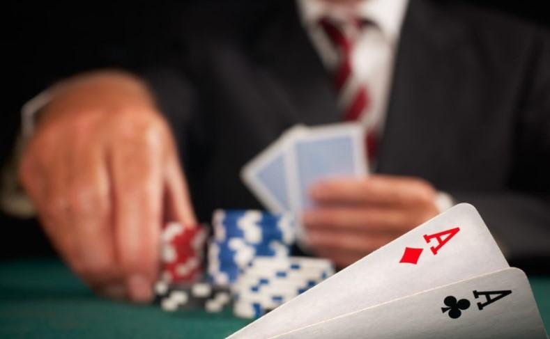 Відносна позиція за покерним столом