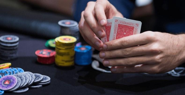 Як грати в покер проти автовідповідачів?