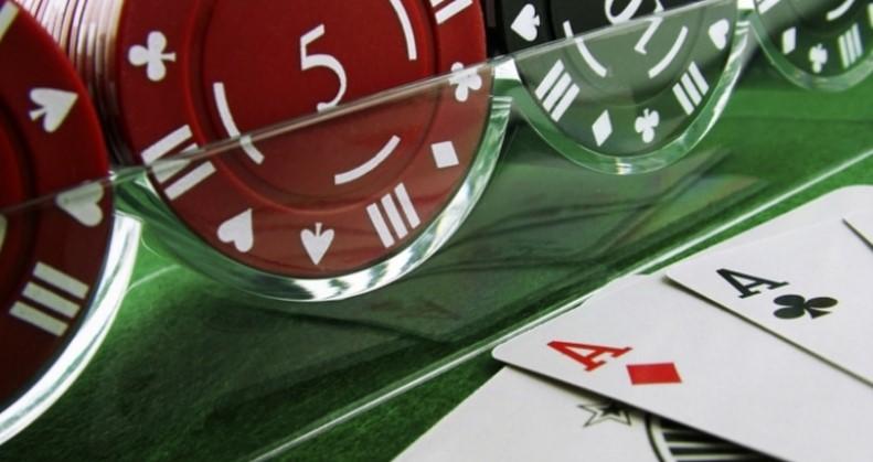 Покер – це гра майстерності і дисперсії