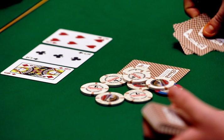 Аналіз покерного столу