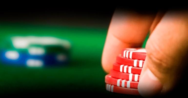Бет або чек-рейз в покері - вибираємо відповідну лінію гри